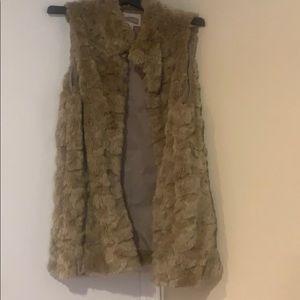 ☀️F21 stunning faux fur vest sz m☀️